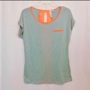 Tops - Robin K shirt .size Medium